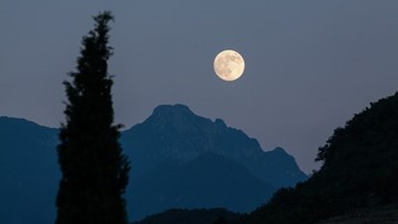 How November's full moon became known as the Beaver Moon
