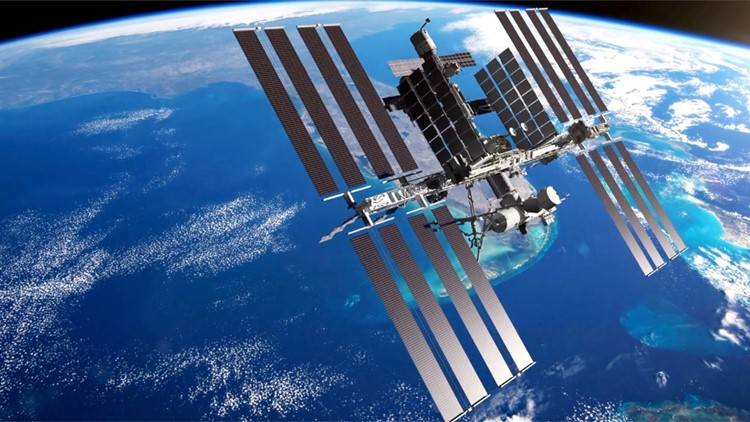 Experts Say 'Avalanche-Like Failure' in the Near Future for Cracking ISS