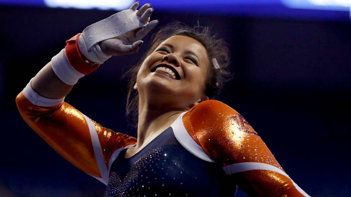 Auburn gymnast suffers gruesome leg injuries during