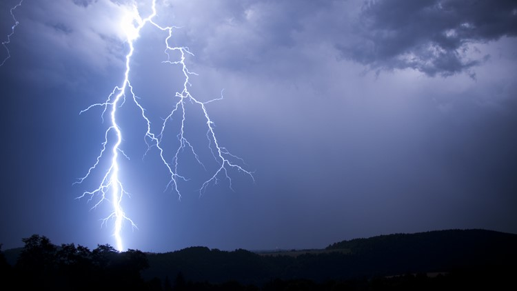 Reports: Oklahoma woman shocked by lightning through laptop
