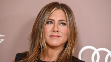 Jennifer Aniston joins Instagram, posts 'Friends' reunion selfie