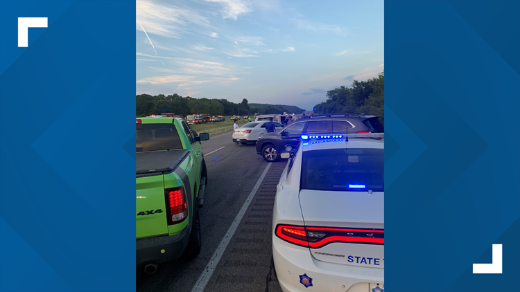2 women killed, 2 minors injured after I-40 crash in Crawford County
