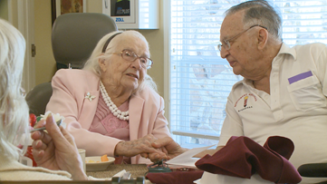 106-year-old Arkansas woman surprised with singing quartet on Valentine's Day