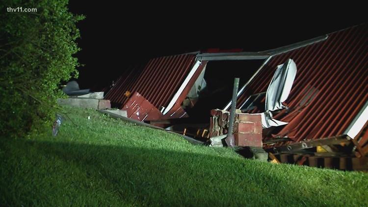 Tornadoes tear across Missouri & Illinois