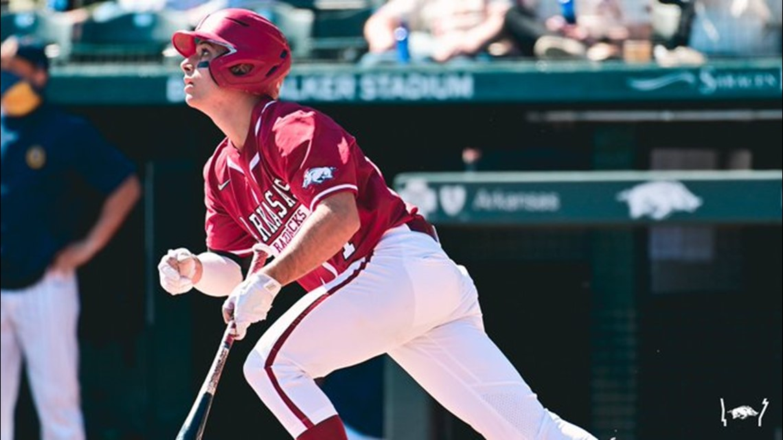 Strong pitching, timely hitting lifts Hogs to 3-0 win over Georgia