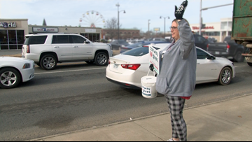 Volunteer panhandlers raise money for homeless population in Conway