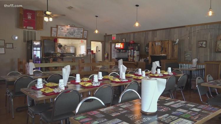 Arkansas BBQ restaurant honors fallen military members with fundraiser