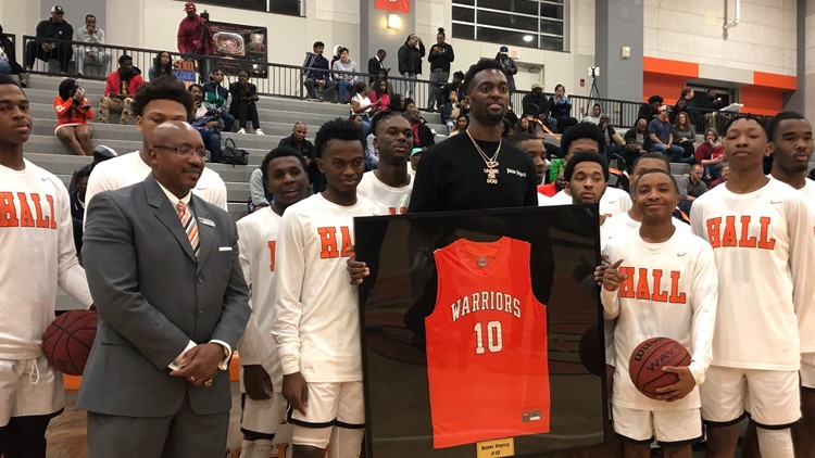 Hall High School retires jersey of former Razorback, SEC Player of the Year, Bobby Portis
