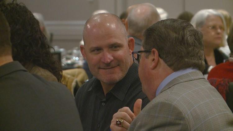 Mariners name Dave Berg Arkansas Travelers manager.