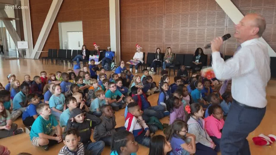 Kids get a double serving of ham on the Reading Roadtrip at the Clinton Library