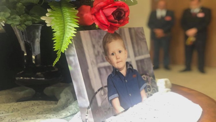 Military honors 5-year-old 'army man' at funeral after battle with cancer