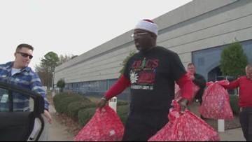 Arkansas Black Santa bringing joy to families