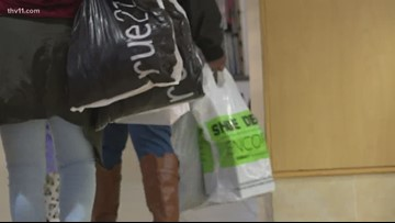 Crowds flood mall for Black Friday shopping
