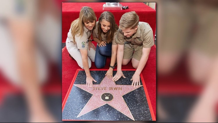 'Crocodile Hunter' Steve Irwin receives posthumous Walk of Fame honor
