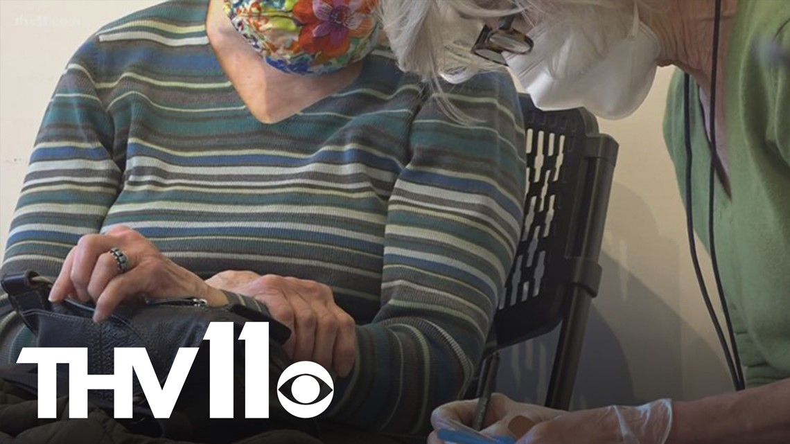 Arkansas pharmacies expand COVID-19 vaccine appointments for people aged 65 and up