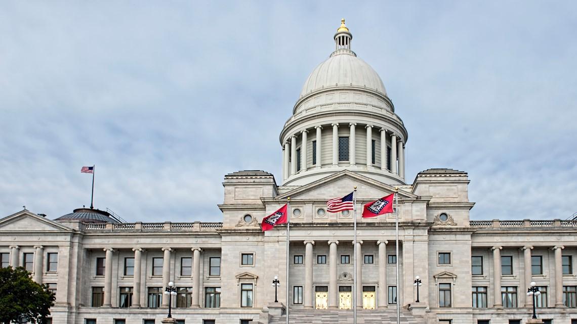 Legislators approve banning most abortions at 18 weeks in Arkansas