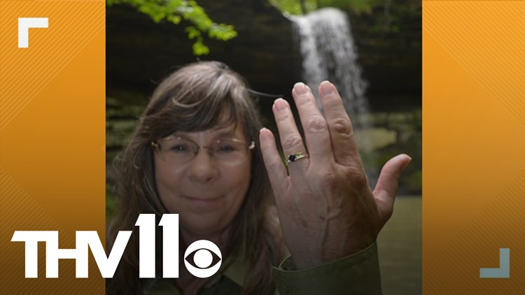 Arkansas trail guide proposes to girlfriend while chasing waterfalls