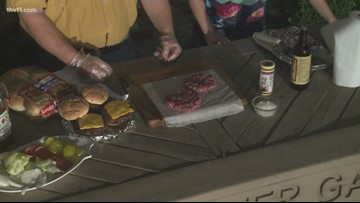 How to make onion-infused burgers