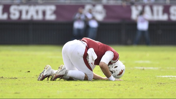 Arkansas falls to Mississippi State without a single touchdown, final score 52-6 MSU