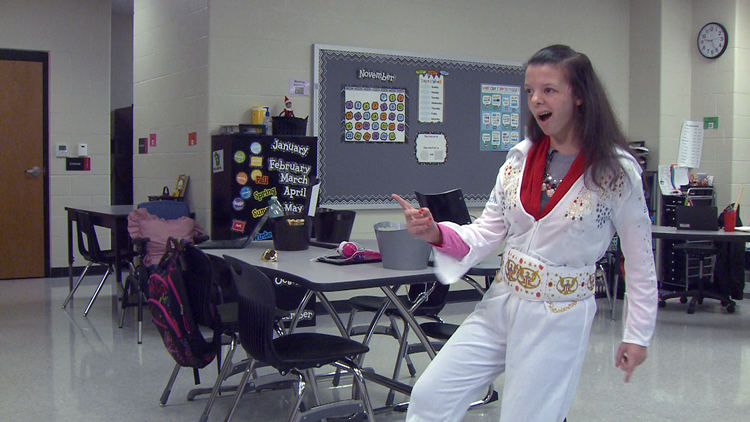 Cabot teen with Williams Syndrome lives her dream under bright lights as 'Elvis'