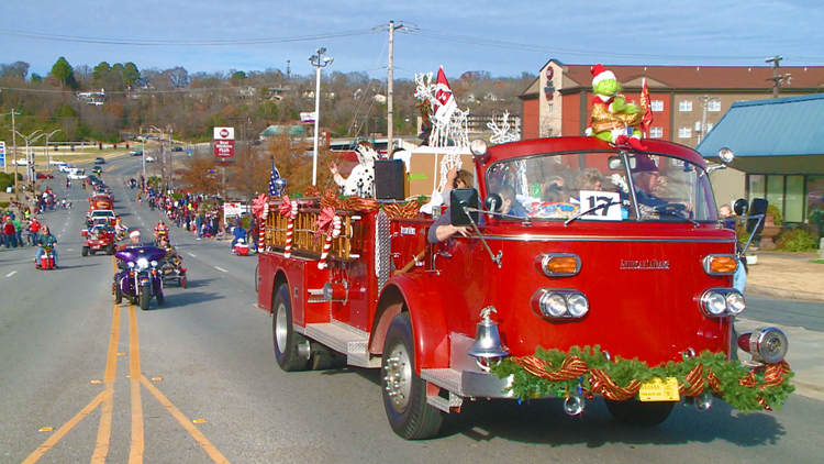 Little Rock Arkansas Christmas Parade 2020 Hundreds of people lined the road for the North Little Rock
