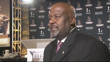 Alabama's Mike Locksley wins 2018 Broyles Award