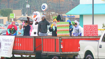 Southwest Little Rock community revives holiday parade after 20 years