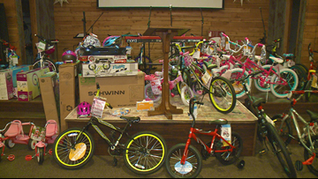 Arkansas Dream Center fills Christmas charity mall with toys