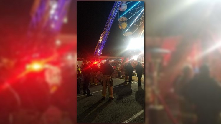 Firefighters rescuepeople stuck on Ferris wheel in downtown Conway, no injuries reported