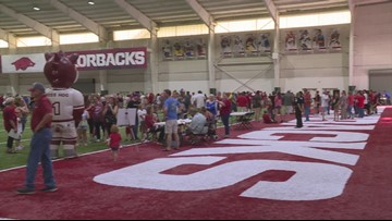 Arkansas hosts fan day to end fall camp