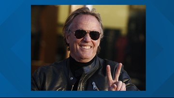 """Peter Fonda, """"Easy Rider"""" star and part of Fonda acting dynasty, has died at 79"""