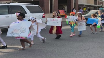 Carolyn Lewis Elementary students learn vocabulary with 'Word Parade'