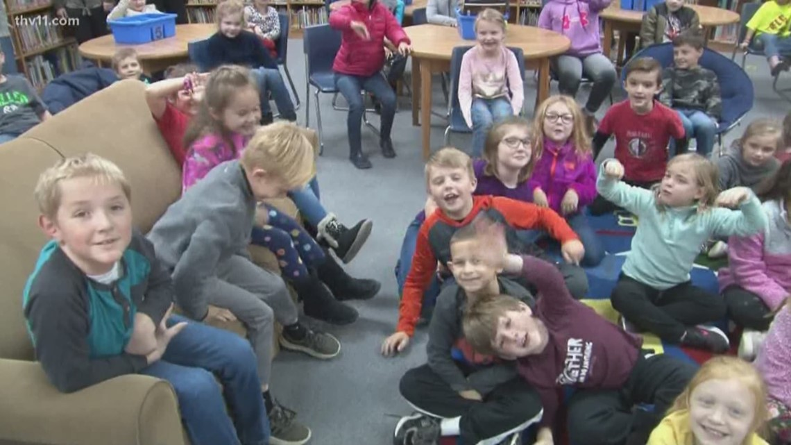 Reading Roadtrip makes a stop at Glen Rose Elementary