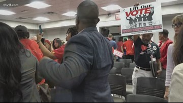 Board votes to bring back LRSD local control
