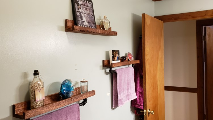 Made by Mariel: Bathroom shelves with industrial towel racks