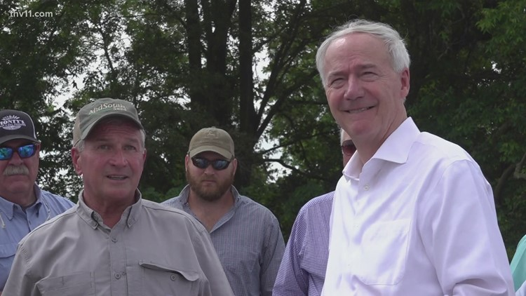 Governor Hutchinson visits flooded areas in southeast Arkansas
