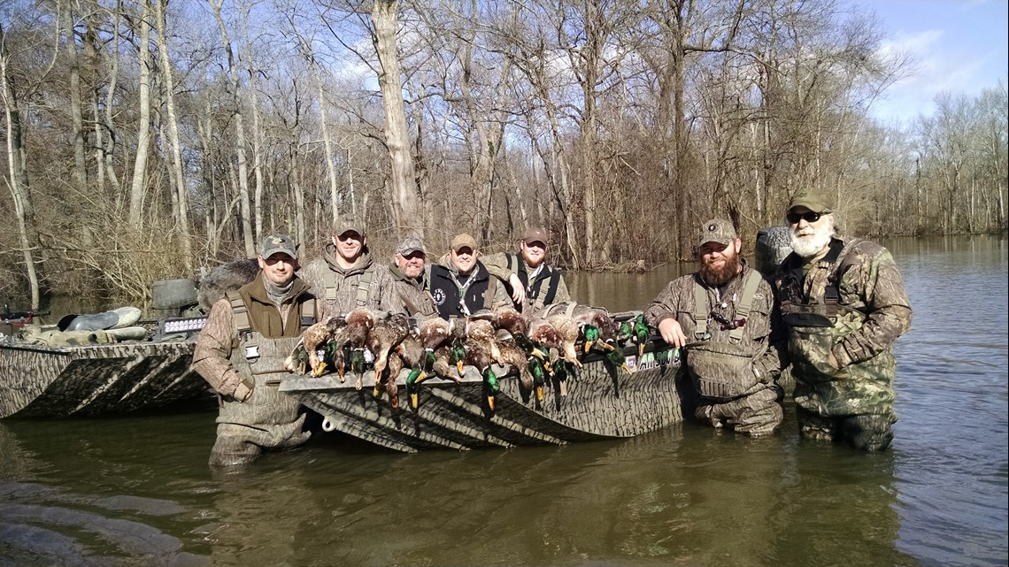 Self-proclaimed 'mountain man' shares duck hunting adventures in Arkansas