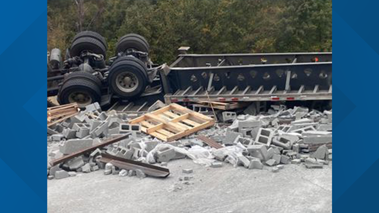 Traffic stopped on I-40 near Mayflower after truck carrying cinder blocks crashes