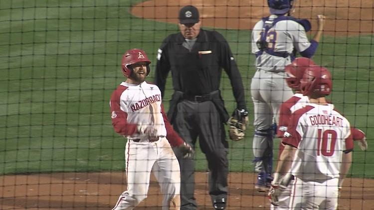 Arkansas blasts 5 home runs to down Texas A&M