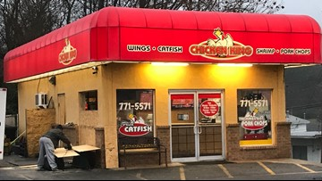 North Little Rock Chicken King employee dies after going through window during fight, police say