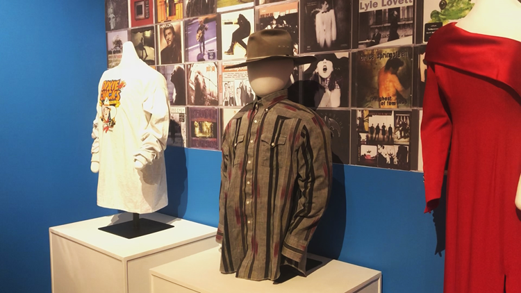The Clinton Library is bringing back the 90's with a new exhibit
