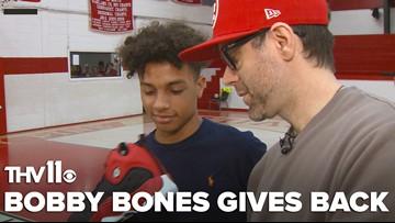 Arkansas native, radio personality Bobby Bones surprises high school basketball team with Air Jordan's