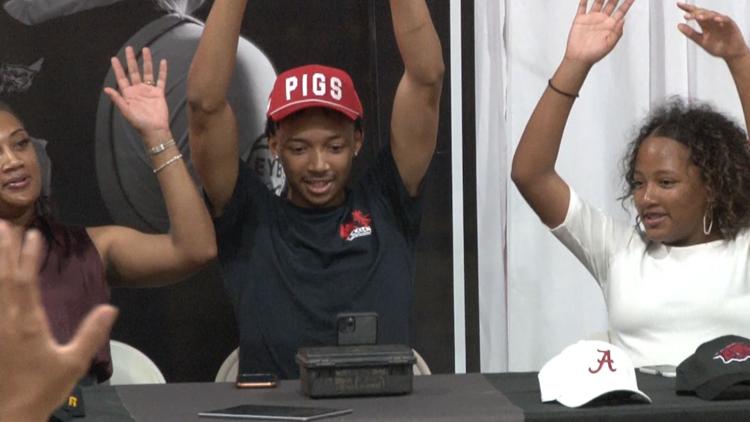 5-star recruit Nick Smith Jr. commits to Arkansas Razorbacks basketball team