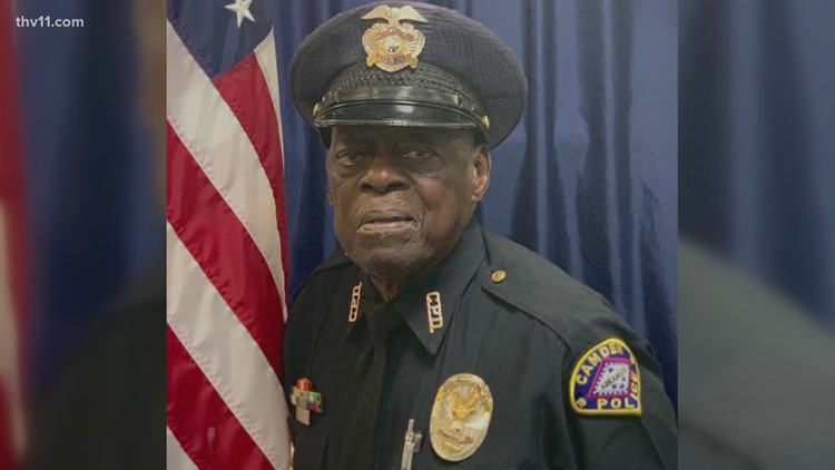 Oldest police officer in Arkansas has been protecting community for over 60 years