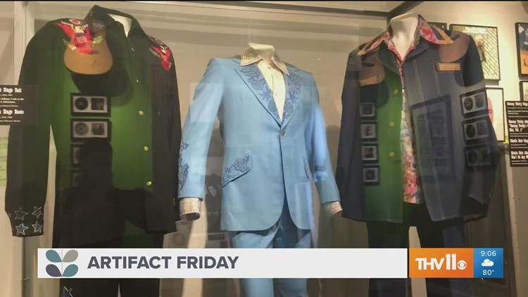 How does the Old State House Museum preserve items?