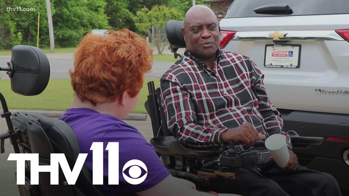 Arkansas man returns stranger's act of kindness by raising $13,000 for new van