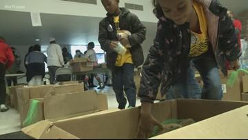 Jacksonville youth help Little Rock families
