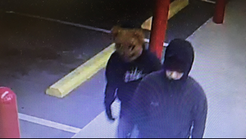 Searcy Valero gas station robbed overnight, police searching for 2 suspects
