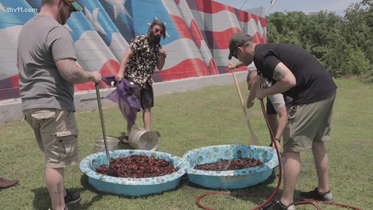 VFW hosts crawfish boil in Little Rock