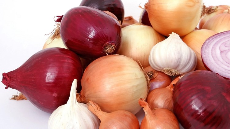 Salmonella Outbreak Linked to Mexican Onions Sickens At Least 652 People